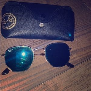 Ray ban sunglasses. Blue mirrored. Gold frame